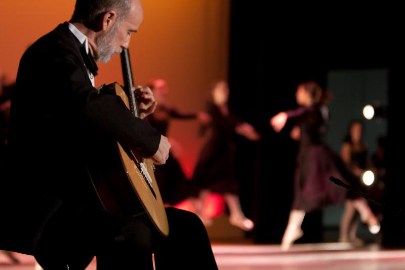 Robert Phillips, classical guitarist performing with dancers
